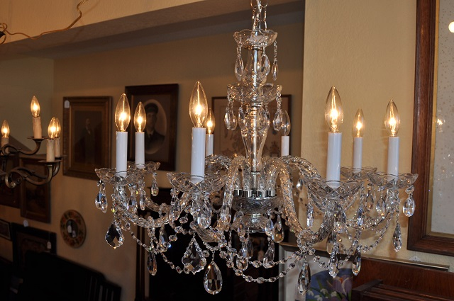 Item #F4493 Eight Arm Chandelier