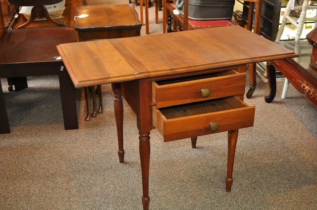 Item #EA5F Nightstand / Side Table w/ Drop Leaves c.1920s