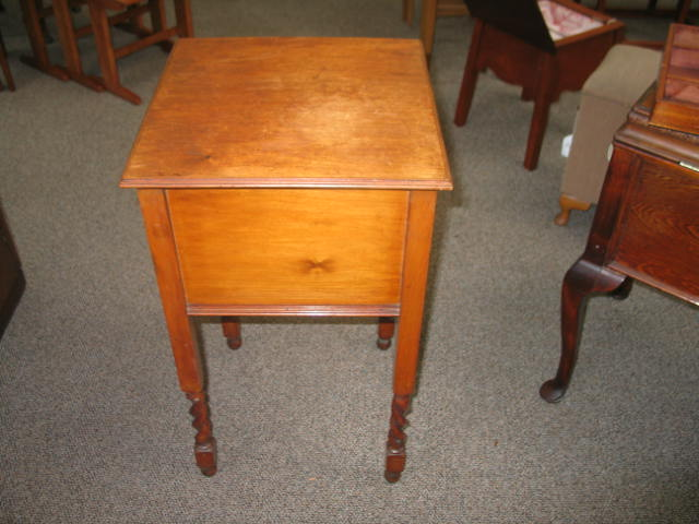L1992 Custom Made Sewing Box / Table