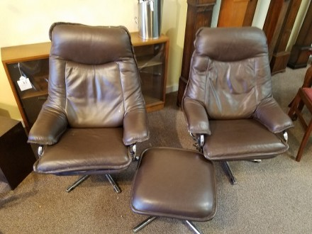 Item #M2200 Vintage 3-Piece Brown Leather & Chrome Lounge Set c.1970s