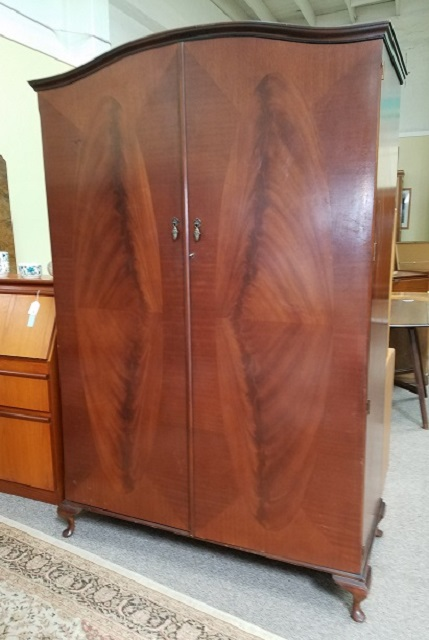M908 Mahogany Double Door Armoire