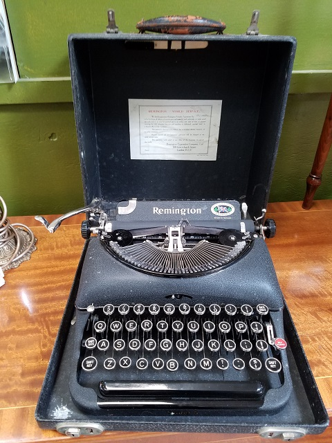 Item #F14811 Remington Typewriter c.1930s