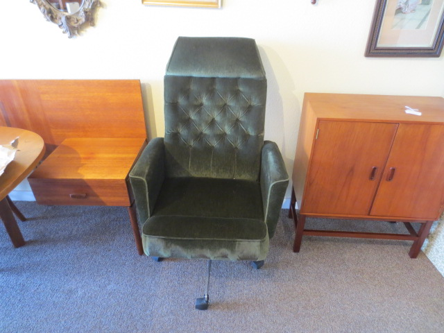 N2413 Green Office Chair c. 1970s