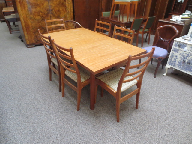 N17b Teak Dining Table and Chair Set