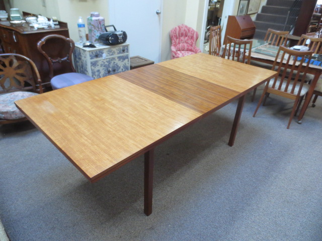 N17 Teak dining table with butterfly leaf