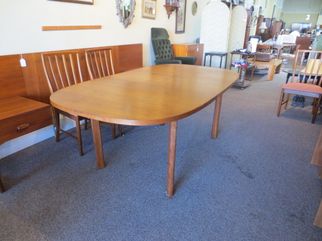 N52 Teak Dining Table with Butterfly Leaf