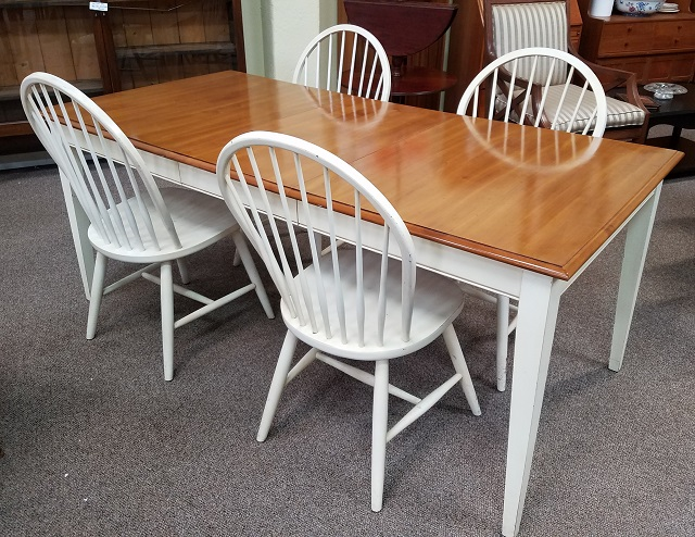 Item #DMC2 Vintage Ethan Allen Maple Dining Set W/ Extending Table